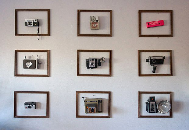Displaying Vintage Cameras in Frames vintageframes