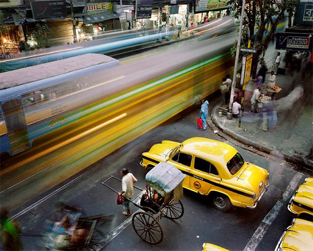 Long Exposure Photos That Capture the Hustle and Bustle of Big Cities bustle1 mini