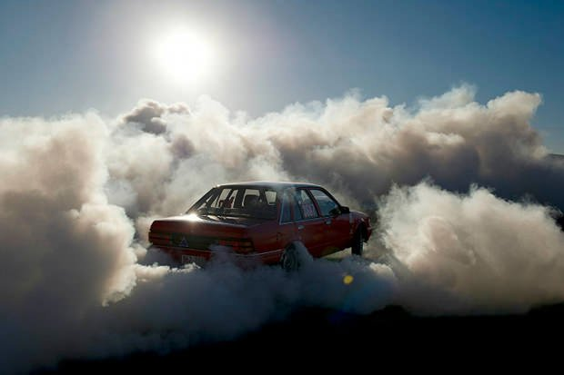 Cars In Clouds Photos Of Burnouts