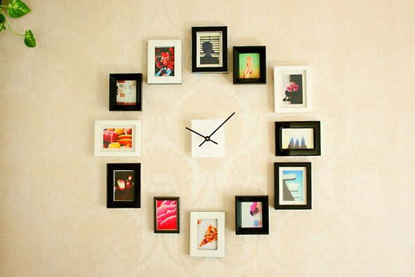 Create a Giant Wall Clock Using Picture Frames