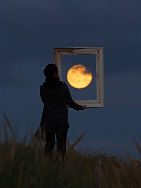 Magical Photos Of A Person Playing With The Moon