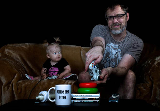 Funny Photos Of The Worlds Best Father With His