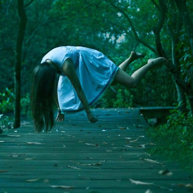 Dreamlike Self-Portraits Of A Girl Floating, Falling, And ...