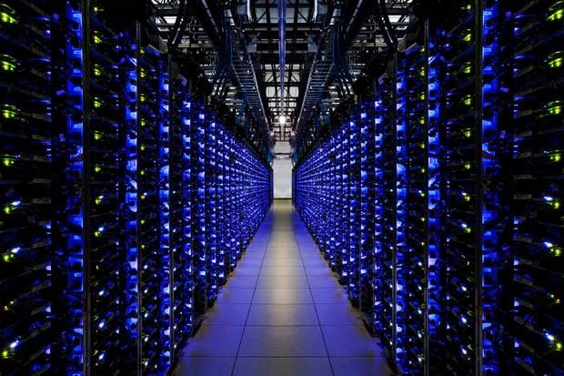 Google Lets Photographer Into Secretive Data Centers, Beautiful Photos Ensue IDI 018
