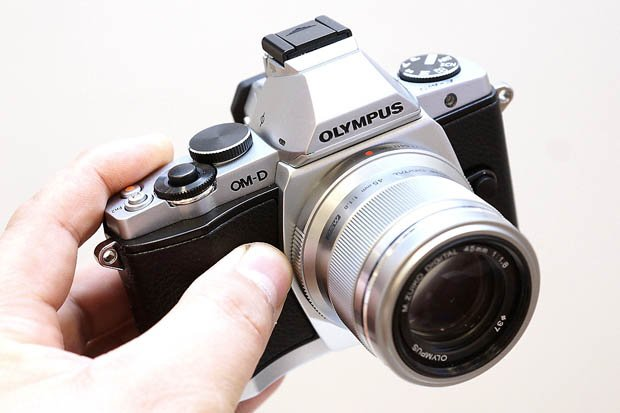 Hacker Reportedly Finds Hidden Features in the Olympus OM-D EM-5