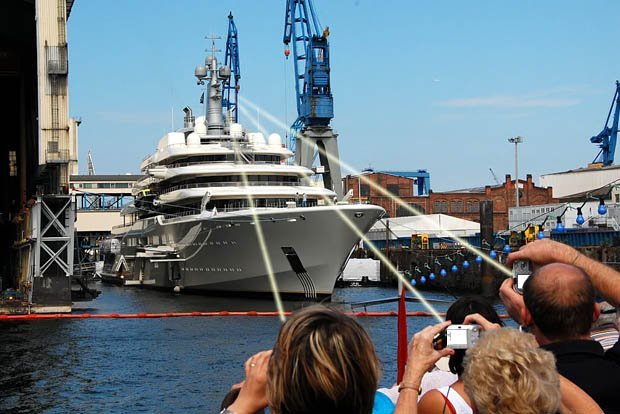 Worlds Largest Private Yacht Features a Laser based Anti Photo Shield yachtantiphoto
