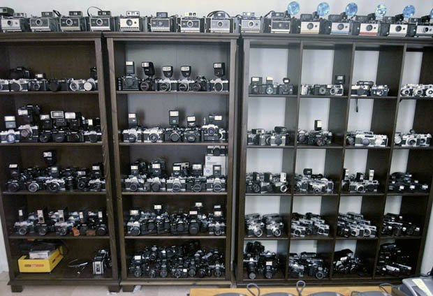 Massive 1,000+ Piece Camera Collection Being Auctioned on eBay cameracollecta