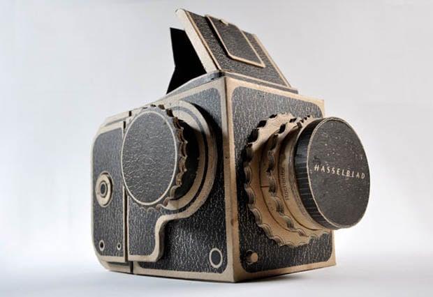 Гаджеты: Фотокамера в винтажном стиле, сделанная из картона.