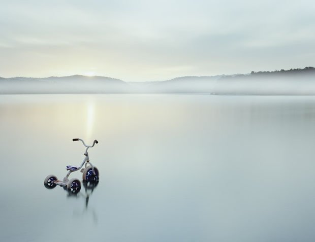 Minimalist Landscape Photographs with Exposure Times of Up to Eight Hours