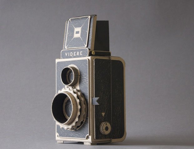 Videre: A Medium-Format Pinhole Camera with a Twin-Lens Reflex Design