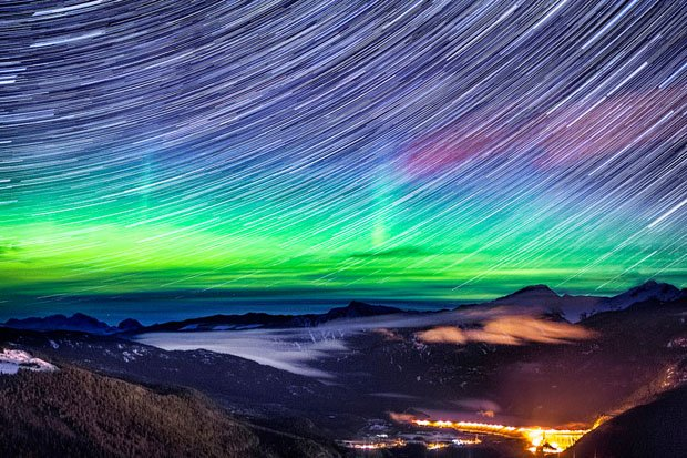 Spectacular Photographs of the Northern Lights Over the Rocky Mountains