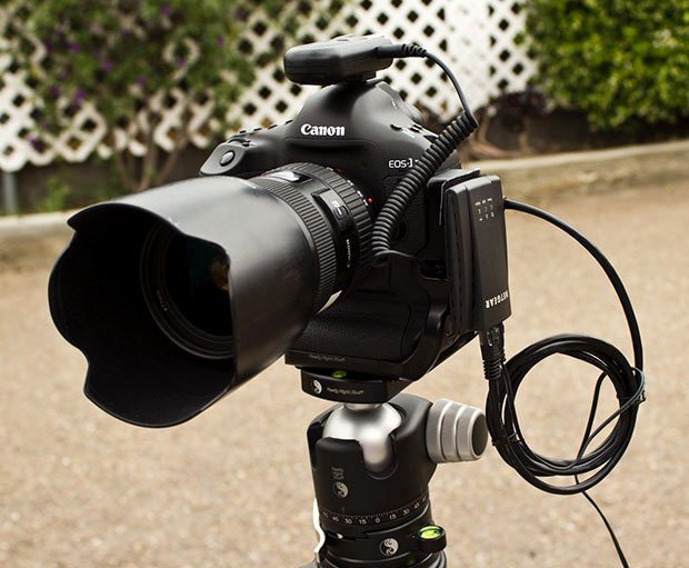 Canon 1D X Can Be Wirelessly Tethered Using a Sub-$50 Internet Adapter