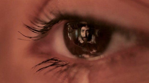 Creative Music Video Shot Entirely in the Reflection of an Eyeball