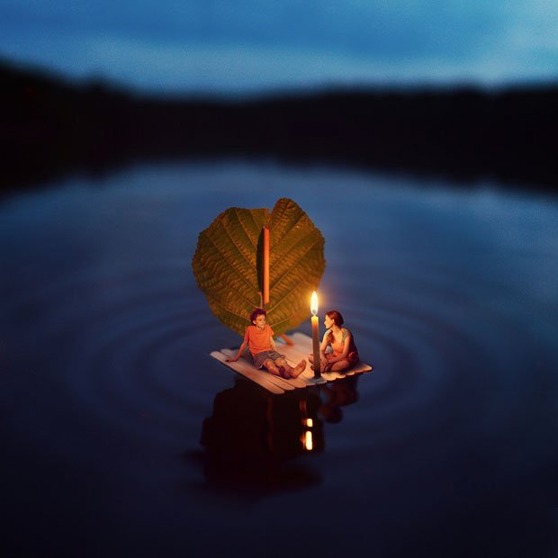 "Miniature World Photo-Manipulations by 14-Year-Old Photographer ""Fiddle Oak"""