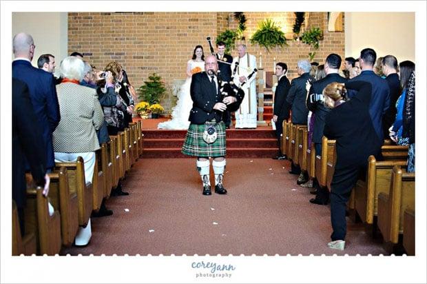unplugged-wedding12(pp_w897_h596) copy