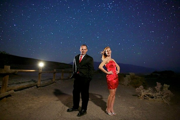 Long Exposure Engagement Photos Shot Under the Starry Night Sky Death Valley003