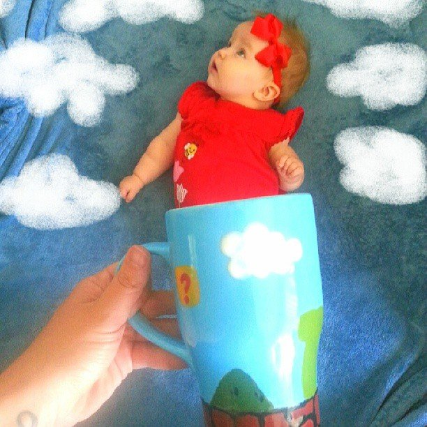 Baby Mugging: Using Forced Perspective to Photograph Your Baby 'Inside' a Cup
