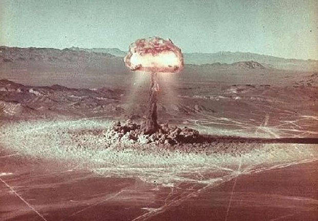what an atomic bomb explosion looks like from above and below. Black Bedroom Furniture Sets. Home Design Ideas