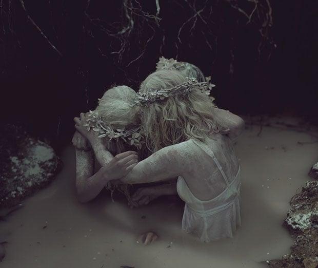 graveyardgirls2