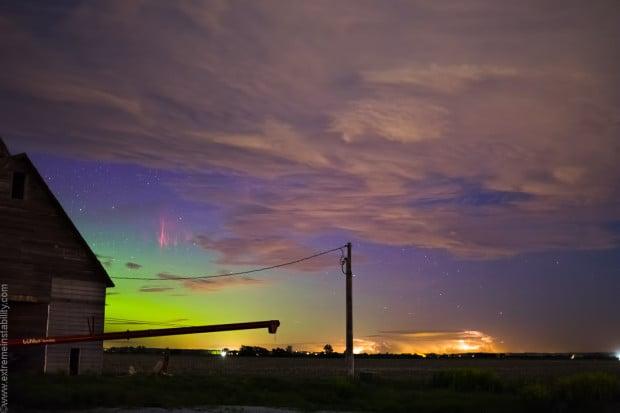 Photographer Captures Rare Photograph of a Sprite with an Aurora spriteaurora0 620x413