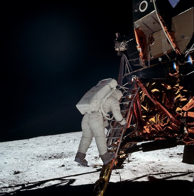 Incredible Online Gallery of High-Res Film Scans from Every Apollo Mission