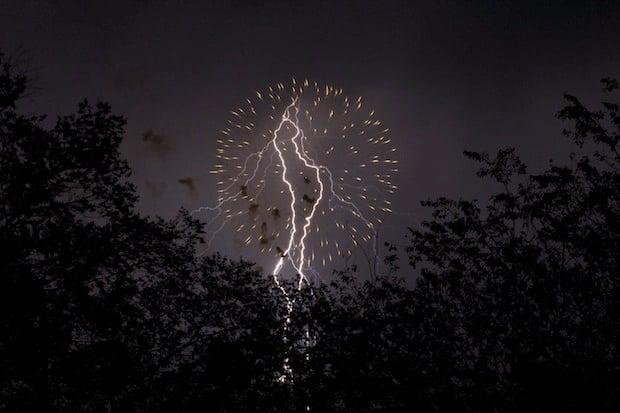 fireworksandlightning1