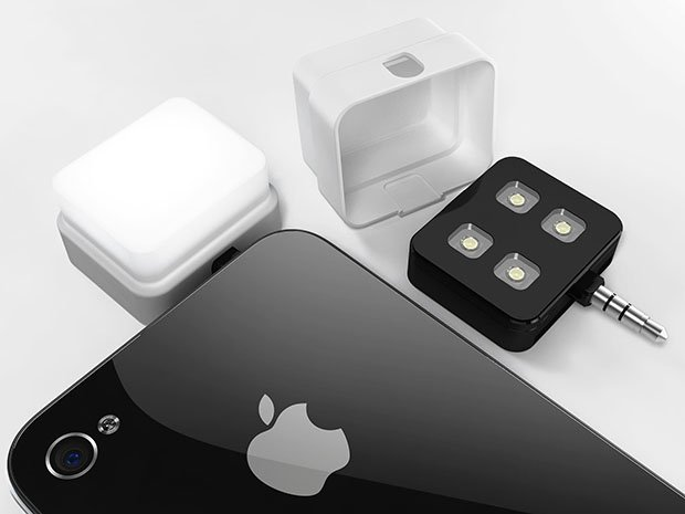 iblazr is a Synched External Flash Unit for Smartphone and Tablets