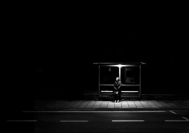 Photographer Uses Light And Shadows To Frame Human Forms