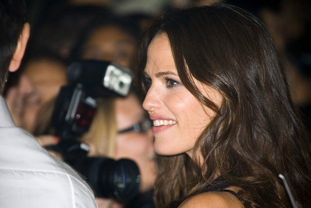 Hollywood Actresses Speak Out In Favor of Anti-Paparazzi Child Protection Law
