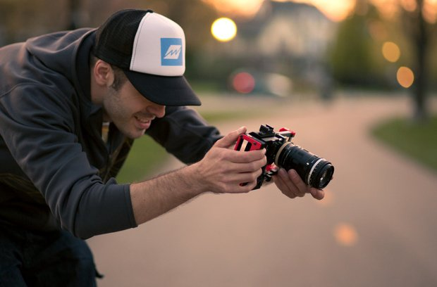 The Beastgrip Lets You Add SLR Lenses & Accessories to Almost Any Smartphone