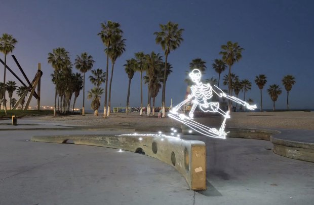 Light Goes On: An Unbelievable 700 Frame Stop Motion Light Painting Animation