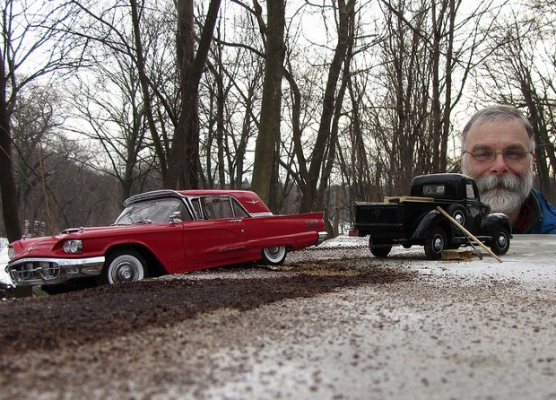 Amazing miniature scenes shot with model cars forced perspective and