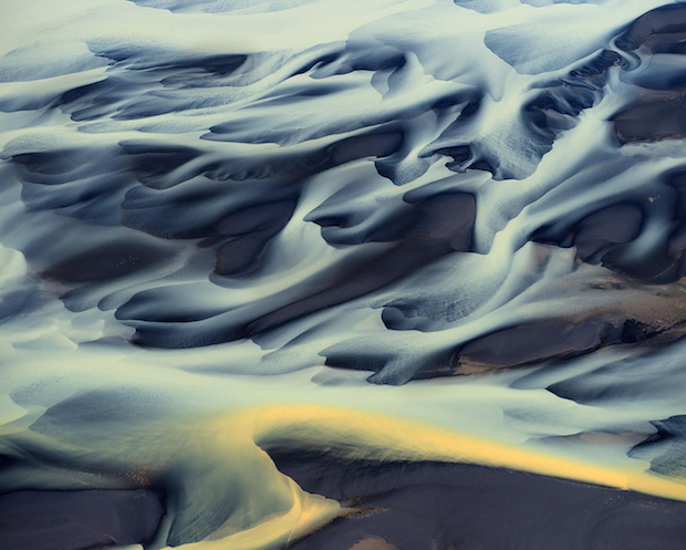 These Incredible Aerial Photos of Volcanic Rivers in Iceland Look Like Paintings