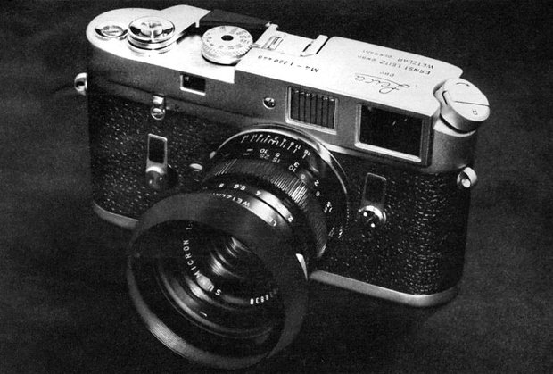The Think Camera: Old Leica M4 Ad Brags About the Camera's Lack of Technology