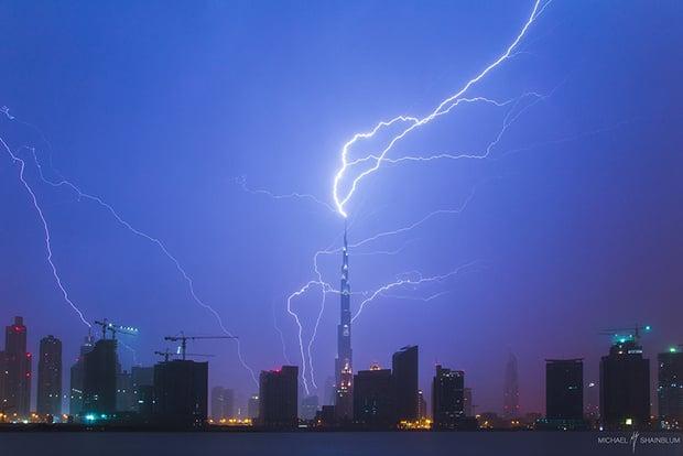 lightningburj1