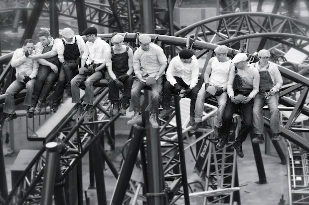 Uk Roller Coaster Workers Recreate Iconic Lunch Atop A