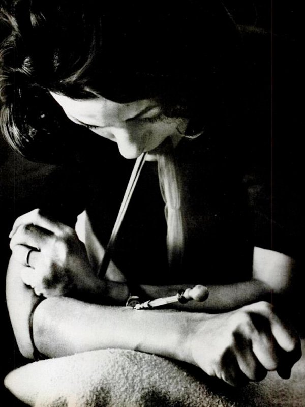 Karen struggles with heroin addiction in this photo essay by Bill Eppridge. (Photo: Bill Eppridge / LIFE, February 1965)