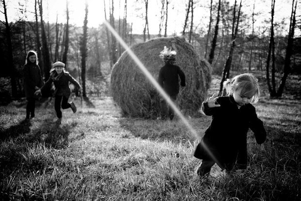 Father Captures Carefree Childhood at Its Best in Heartwarming B&W Photo Series