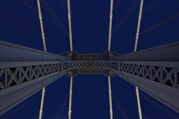 Manhattan Bridge upskirt