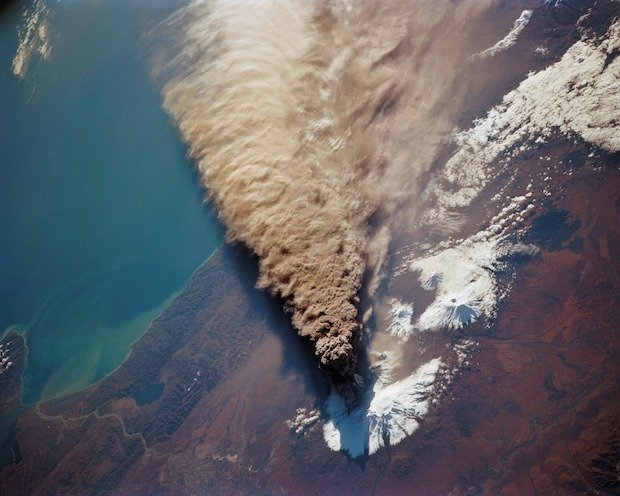 Two Spectacular Photographs of a Volcanic Eruption as Seen from Space by Endeavour