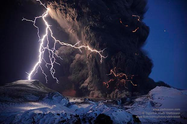 Epic Photos of the 2010 Volcanic Eruptions in Iceland