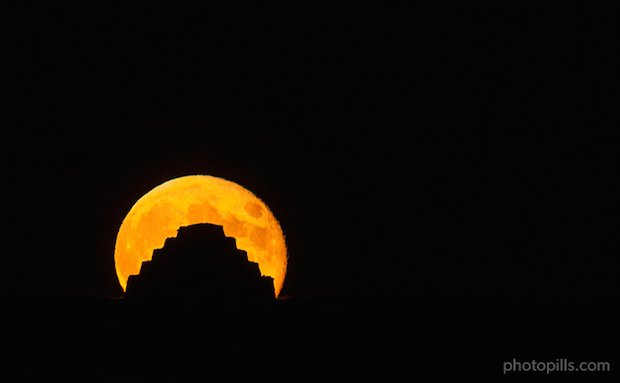 We used the full moon to create a silhouette of an old stone construction, formerly used to protect cattle.