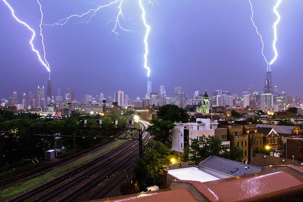 Timelapse Captures Triple Lightning Strike on Three of Chicago's Tallest Buildings