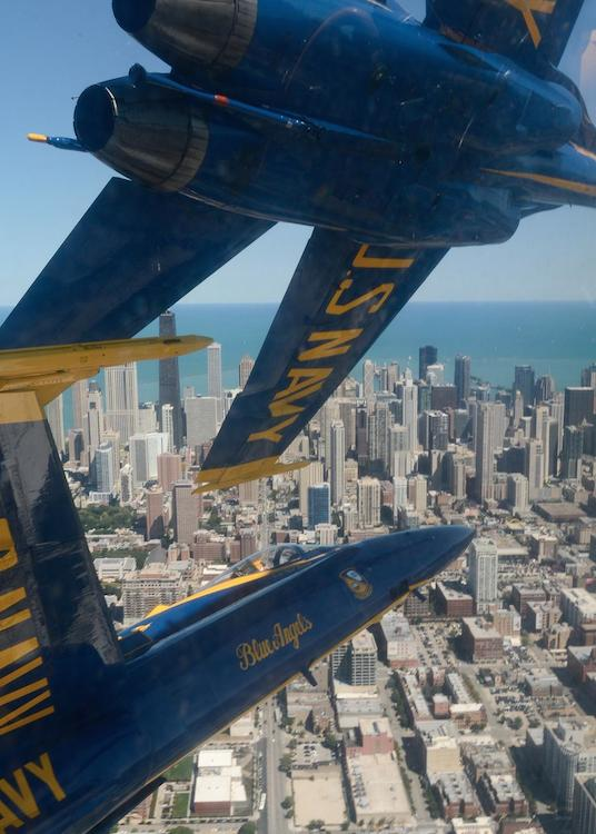 Scary/Amazing Cockpit Photograph Shows You What It's Like to Fly with the Blue Angels