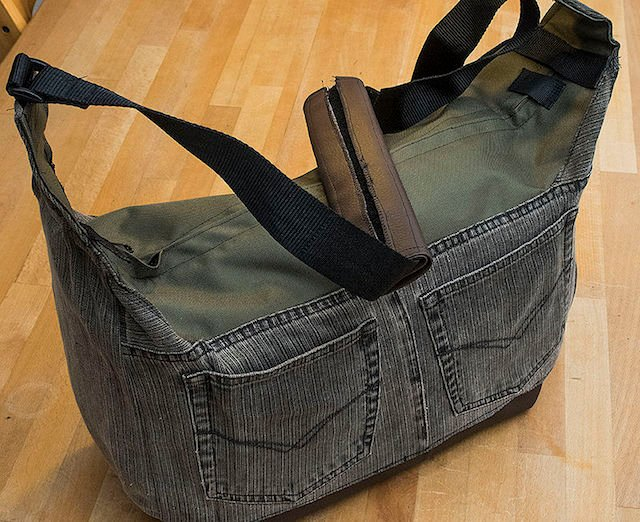 8bfa3462c8 Make a Beautiful DIY Camera Bag from a Pair of Jeans and an Old Laptop Bag