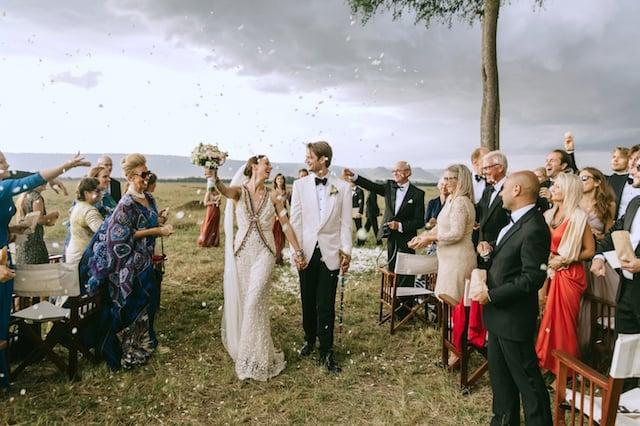 044-masai-mara-wedding-by-jonas-peterson-(pp_w1600_h1066)