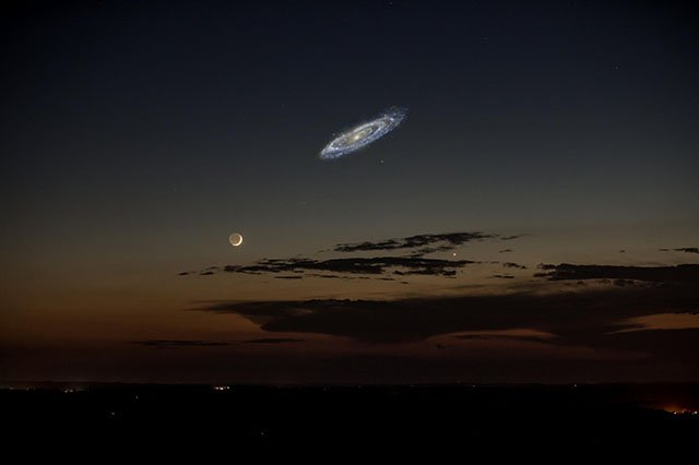 This is What Photos of the Night Sky Would Look Like if the Andromeda Galaxy Were Brighter