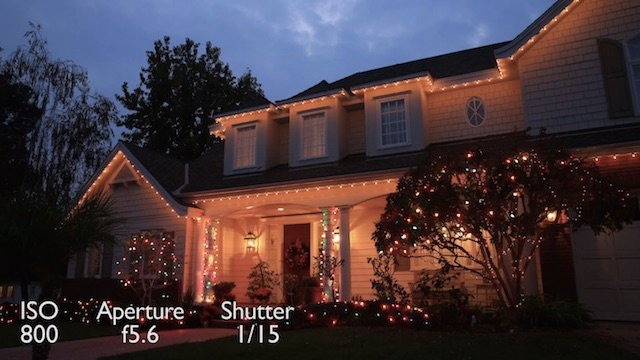 Get Ready for the Holidays with this Tutorial on How to Photograph Christmas Lights