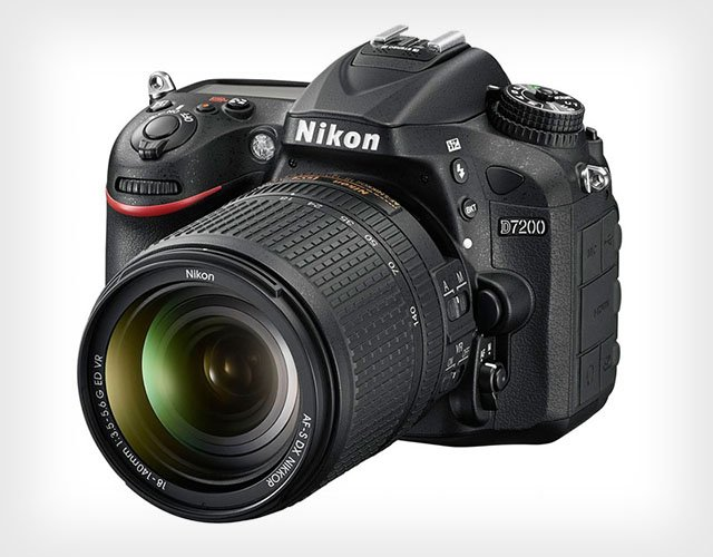 Nikon D7200: A 24.2MP DSLR Focused on Speed and Sharpness for Photo and Video