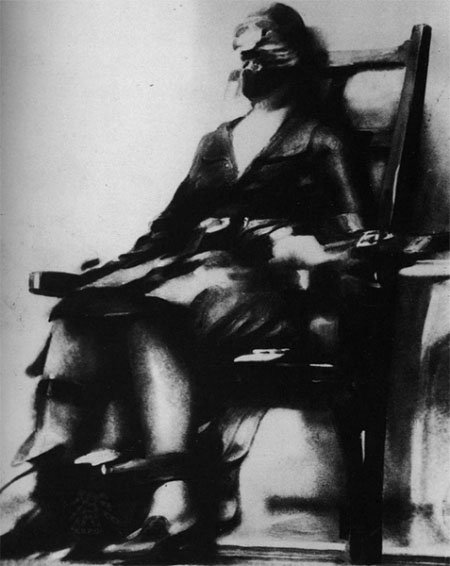 The first photo of an execution by electric chair for Chaise electrique